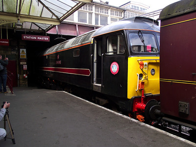 47715 rests at Keighley on the 21st May 2011