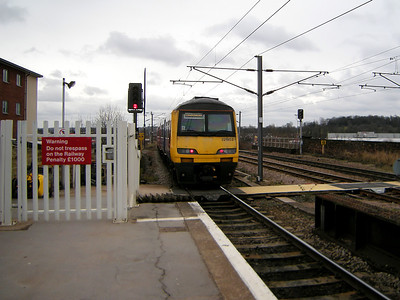 321903 scurries away from Wakefield Westgate on the 15th March 2010