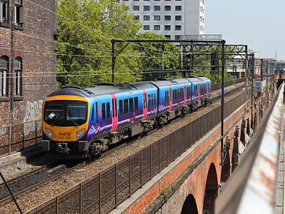 185148 saunters across Sackville Viaduct on the 22nd May 2012