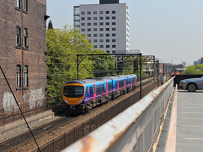 185141 scurries past the car park at Sackville Viaduct on the 22nd May 2012