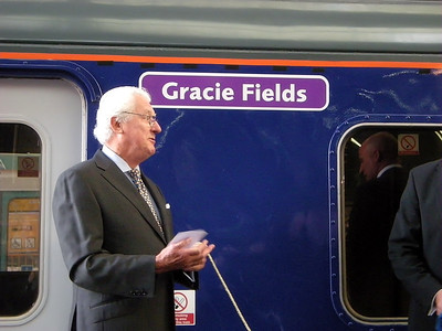 Gracie Field's newphew speaks following the naming of 156466 at Manchester Victoria on the 3rd October 2009