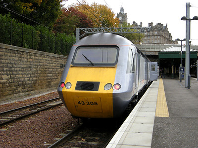 43305 rests, after a slog from Aberdeen, at Edinburgh Waverley on the 13th October 2009