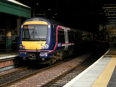 170450 stands at Edinburgh Waverley on the 13th October 2009