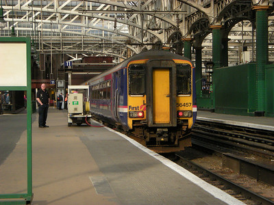 156457 awaits time at Glasgow Central on the 19th October 2010