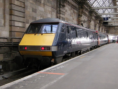 91119 stands at Glasgow Central, following arrival from King's Cross, at Glasgow Central on the 19th October 2010