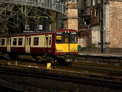 A close up of 314214 as it arrives at Glasgow Central on the 19th October 2010
