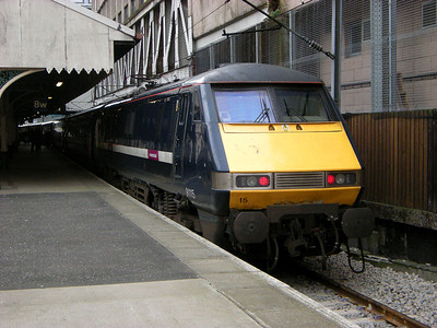 91115 rests following arrival at Edinburgh Waverley on the 18th October 2010