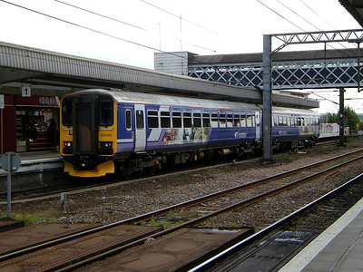 155346 stands at Wakefield Westgate on the 29th August 2009