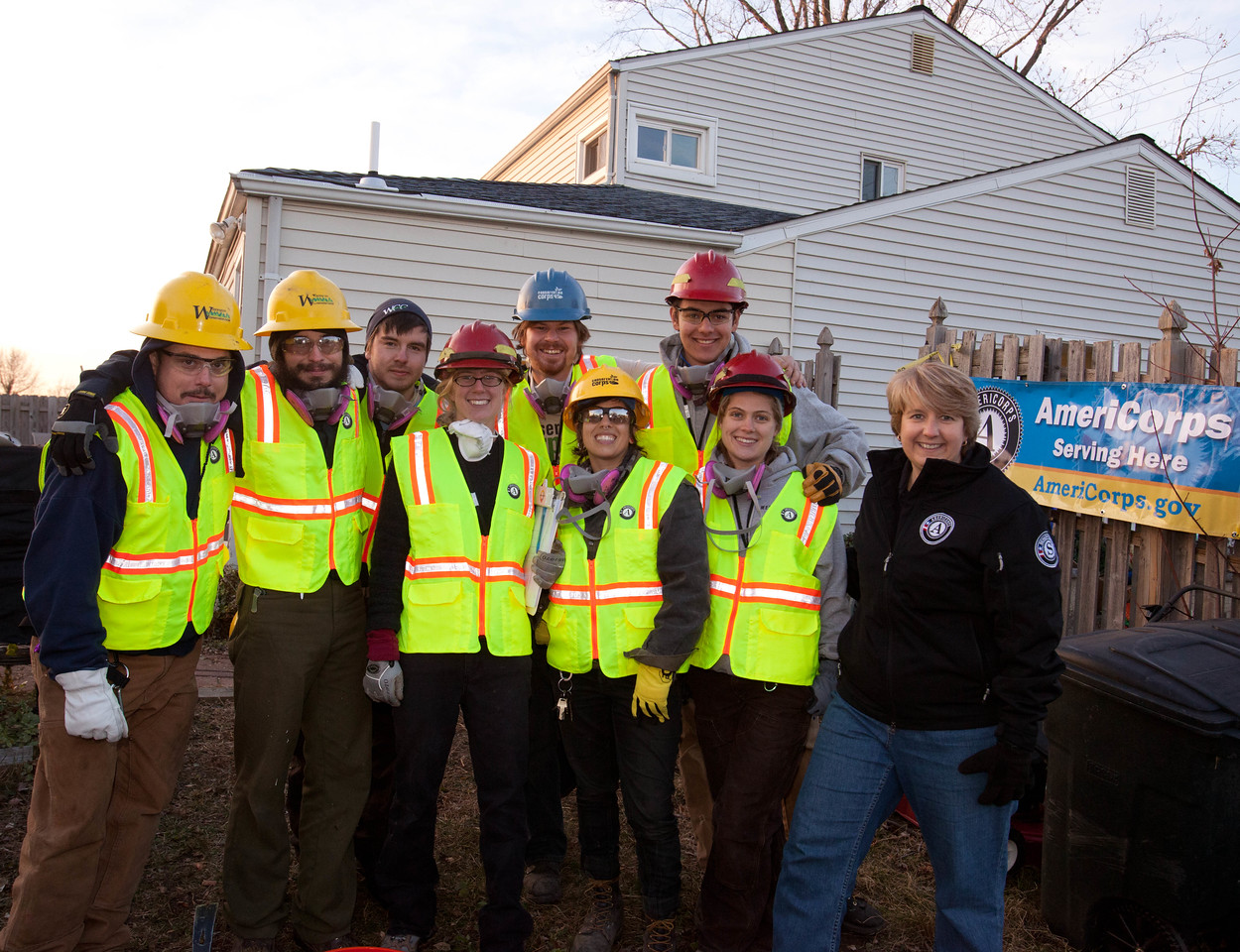 CNCS CEO Wendy Spencer, AmeriCorps members from the Washington Conservation Corps and AmeriCorps St. Louis in Union Beach, NJ. Corporation for National and Community Service Photo.