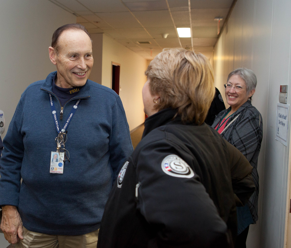 FEMA FCO, Mike Hall meets with CNCS CEO Wendy Spencer at the JFO in Lincroft, NJ. Corporation for National and Community Service Photo.