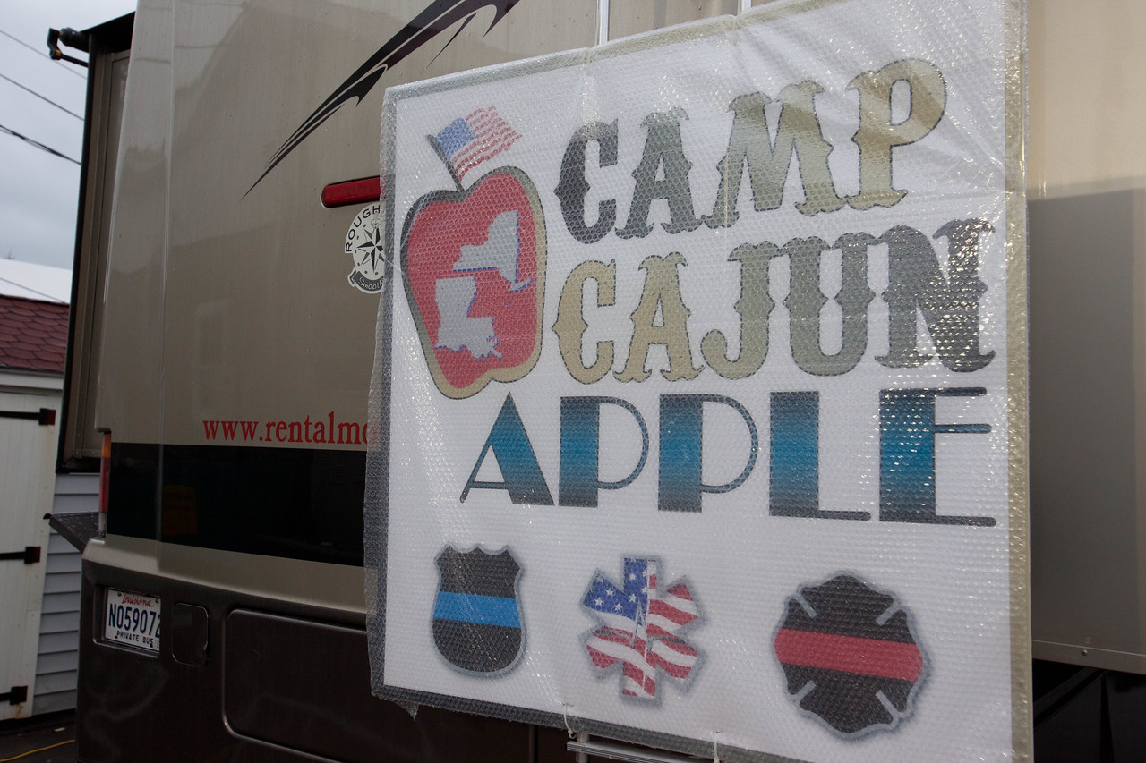 Camp Cajun Apple, based in New Orleans feeds volunteers at Operation Gut and Pump in Breezy Point, NY. Corporation for National and Community Service Photo.
