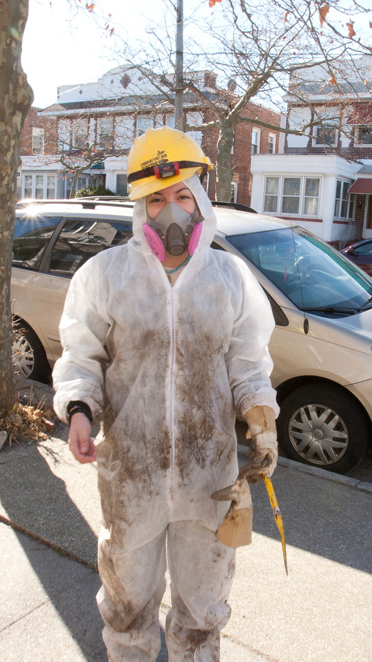 AmeriCorps member working at a house in the Chelsea Heights neighborhood of Atlantic City, NJ that was affected by Hurricane Sandy.Corporation for National and Community Service Photo.