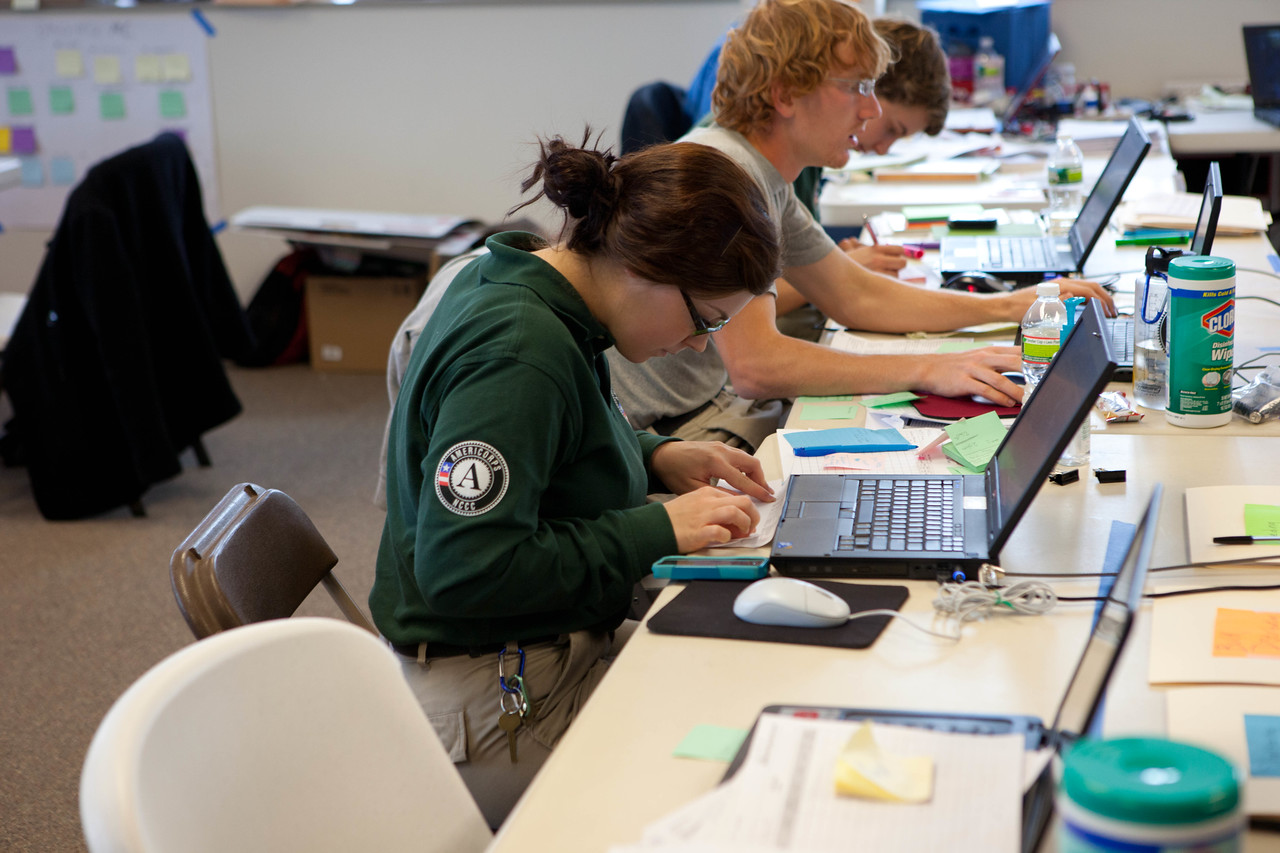 AmeriCorps NCCC members serving at the Red Cross headquarters in North Brunswick Township, NJ. Corporation for National and Community Service Photo.