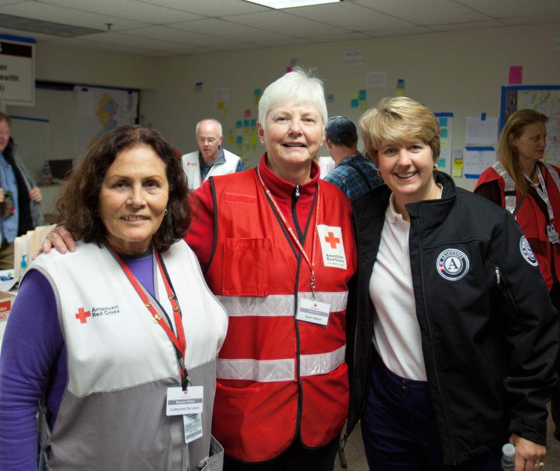 CNCS CEO, Wendy Spencer and Red Cross volunteers at the Red Cross headquarters in North Brunswick Township, NJ. Corporation for National and Community Service Photo.