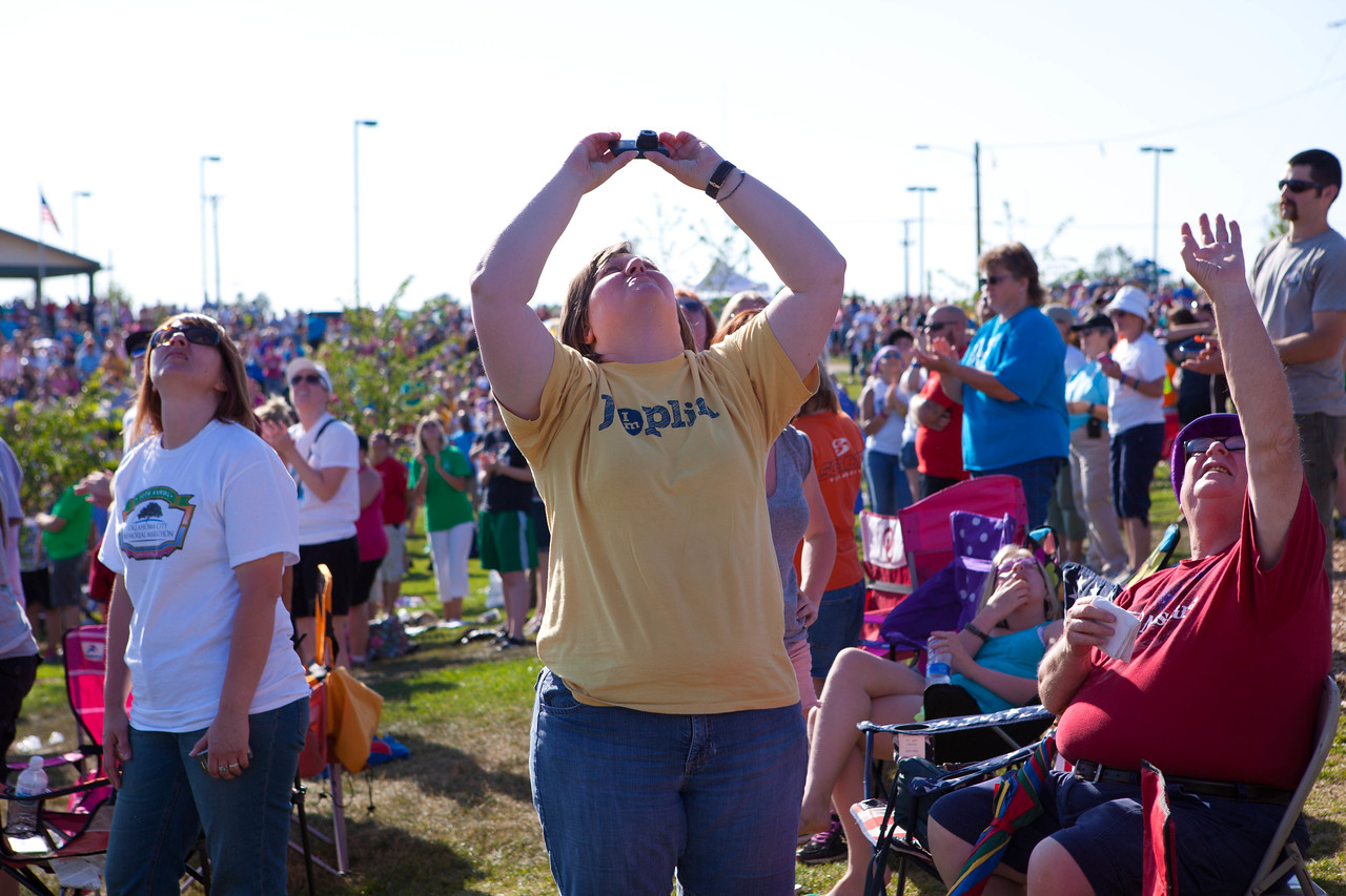 Citizens looking at the hot air balloon that was released over Cunningham Park in Joplin, MO. Corporation for National and Community Service Photo