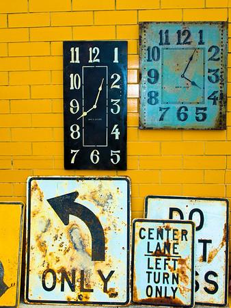 <center><h2>'Total Confusion'</h2> Scott's Antiques, Atlanta, GA 9/09</center>