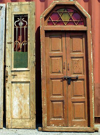 <center><h2>'Stately Doors'</h2> Atlanta GA 2009</center>