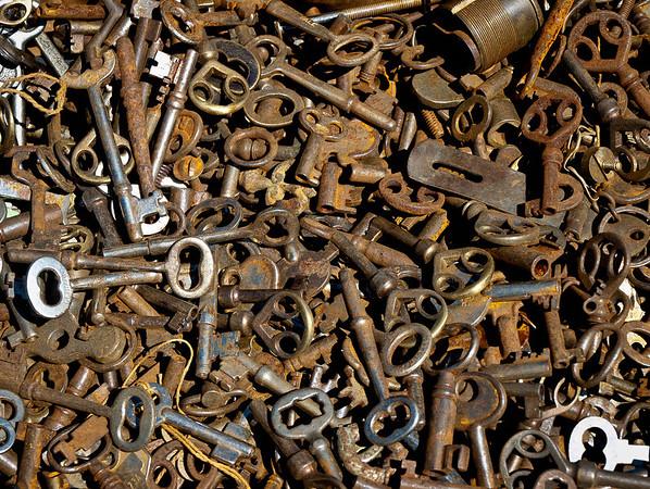 <center><h2>'Lost Keys'</h2> Scott's Antiques, Atlanta, GA</center>