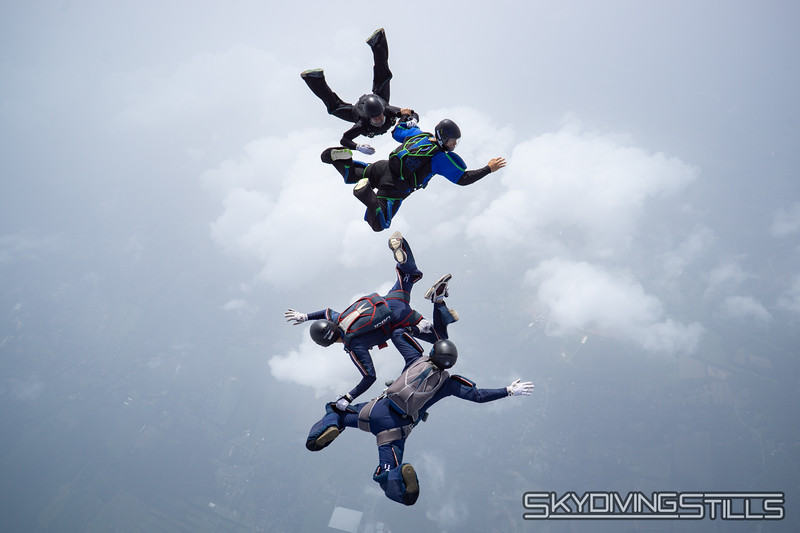"""Mostly Asian 4-way. <br><span class=""""skyfilename"""" style=""""font-size:14px"""">2018-07-28_skydive_cpi_0334</span>"""