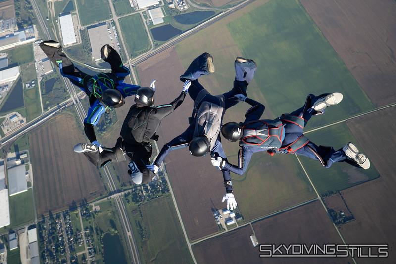 "<br><span class=""skyfilename"" style=""font-size:14px"">2018-09-09_skydive_csc_0175</span>"