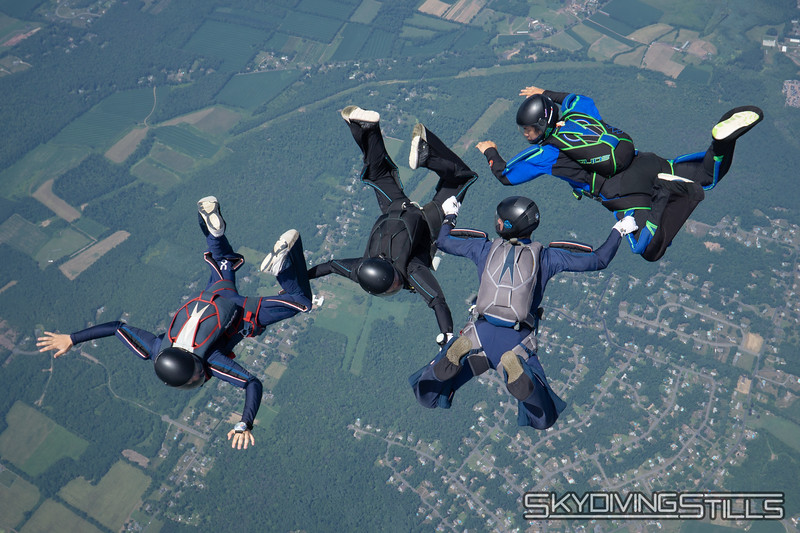 """Mostly Asian 4-way. <br><span class=""""skyfilename"""" style=""""font-size:14px"""">2018-07-15_skydive_cpi_1255</span>"""