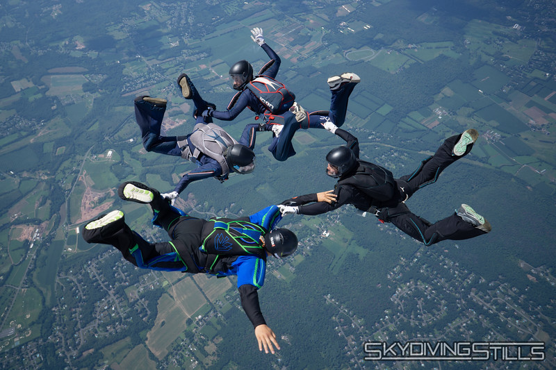 """Mostly Asian 4-way. <br><span class=""""skyfilename"""" style=""""font-size:14px"""">2018-07-28_skydive_cpi_0241</span>"""