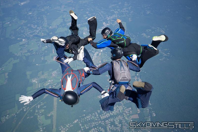 "<br><span class=""skyfilename"" style=""font-size:14px"">2018-08-10_skydive_cpi_0336</span>"