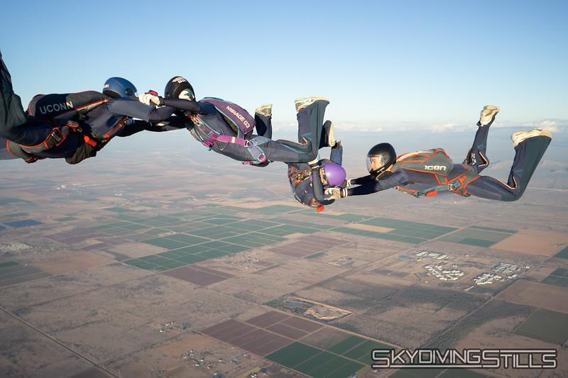 "<br><span class=""skyfilename"" style=""font-size:14px"">2018-12-26_skydive_sdaz_0894</span>"