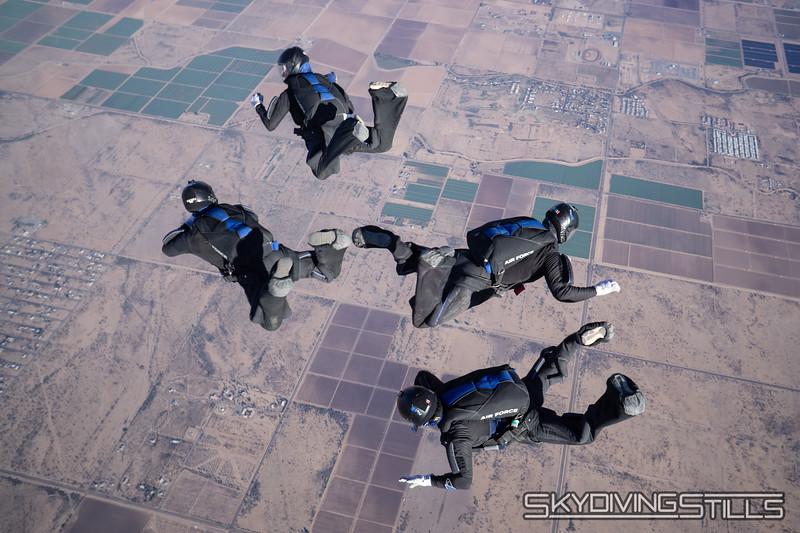"<br><span class=""skyfilename"" style=""font-size:14px"">2018-12-29_skydive_sdaz_0057</span>"