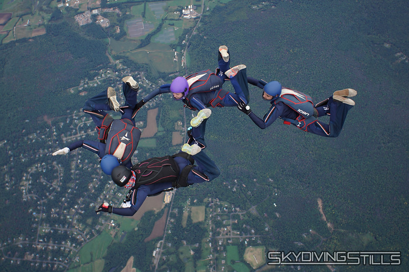 """CT True Blue 4-way. <br><span class=""""skyfilename"""" style=""""font-size:14px"""">2018-09-23_skydive_cpi_0285</span>"""