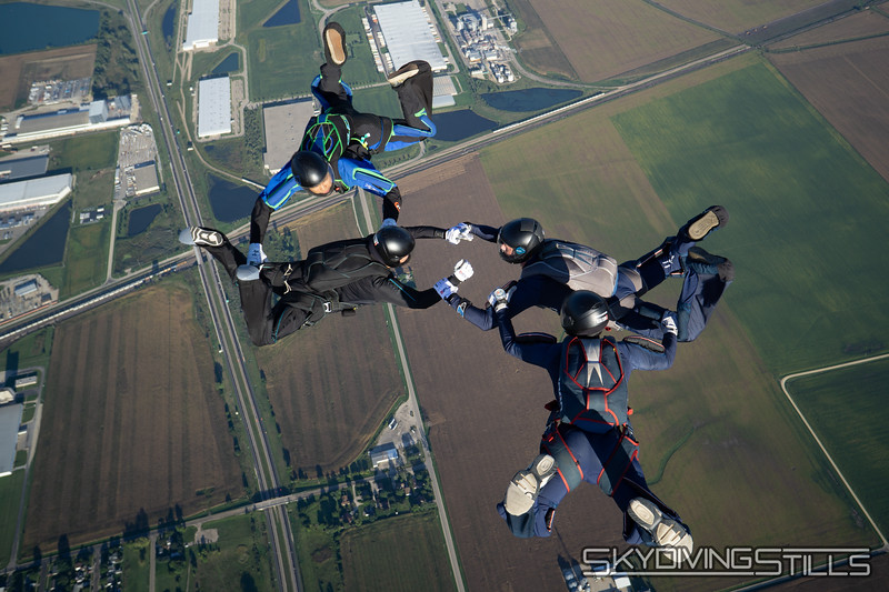 "<br><span class=""skyfilename"" style=""font-size:14px"">2018-09-09_skydive_csc_0198</span>"