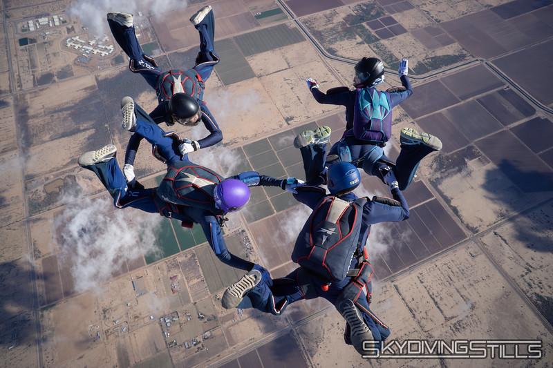 "<br><span class=""skyfilename"" style=""font-size:14px"">2018-12-26_skydive_sdaz_0451</span>"