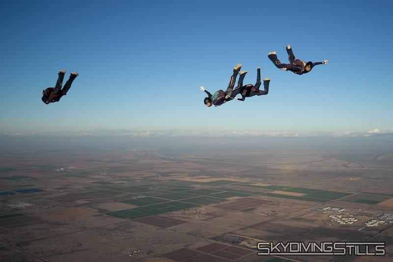 "<br><span class=""skyfilename"" style=""font-size:14px"">2018-12-26_skydive_sdaz_0902</span>"