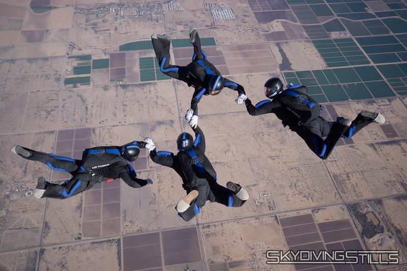 "<br><span class=""skyfilename"" style=""font-size:14px"">2018-12-29_skydive_sdaz_0267</span>"
