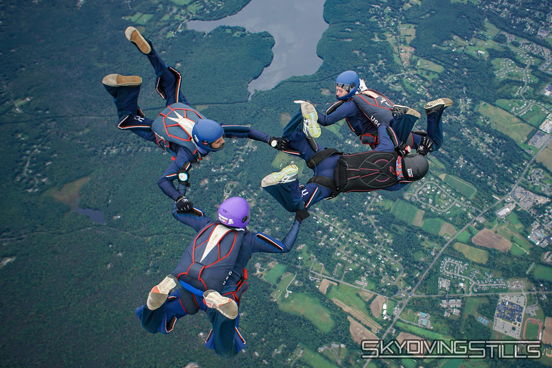 """CT True Blue 4-way. <br><span class=""""skyfilename"""" style=""""font-size:14px"""">2018-09-23_skydive_cpi_0109</span>"""