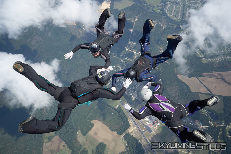 "<span class=""skyfilename"" style=""font-size:14px"">2019-09-15_skydive_raeford_0424</span>"
