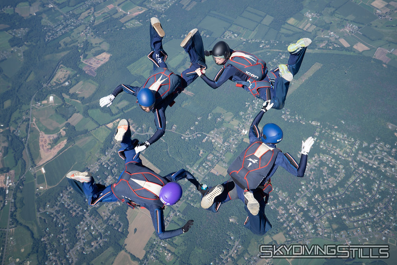 """CT True Blue. <br><span class=""""skyfilename"""" style=""""font-size:14px"""">2018-09-03_skydive_cpi_1429</span>"""