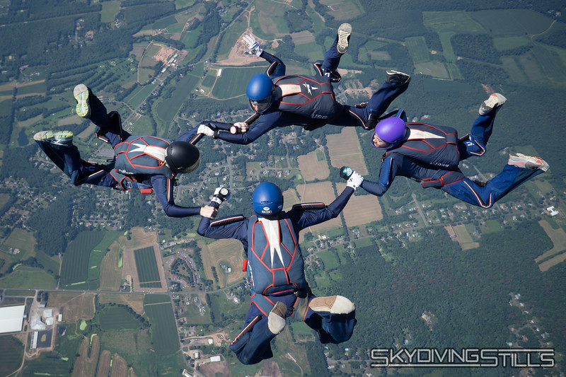 """CT True Blue. <br><span class=""""skyfilename"""" style=""""font-size:14px"""">2018-09-03_skydive_cpi_1448</span>"""