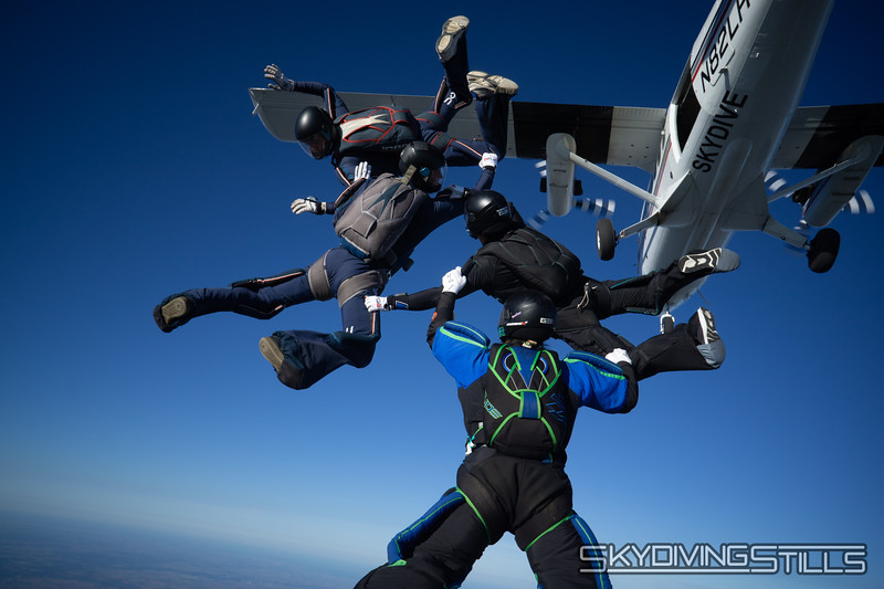 """Perfect P exit. <br><span class=""""skyfilename"""" style=""""font-size:14px"""">2018-09-09_skydive_csc_0129</span>"""