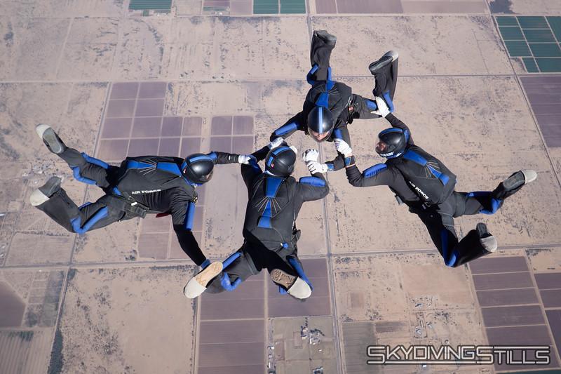 "<br><span class=""skyfilename"" style=""font-size:14px"">2018-12-29_skydive_sdaz_0274</span>"