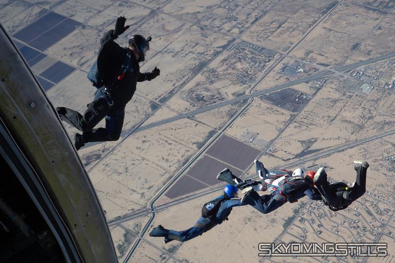 "<br><span class=""skyfilename"" style=""font-size:14px"">2018-12-29_skydive_sdaz_0236</span>"