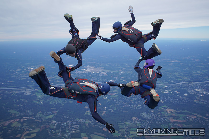 """CT True Blue 4-way. <br><span class=""""skyfilename"""" style=""""font-size:14px"""">2018-09-23_skydive_cpi_0264</span>"""
