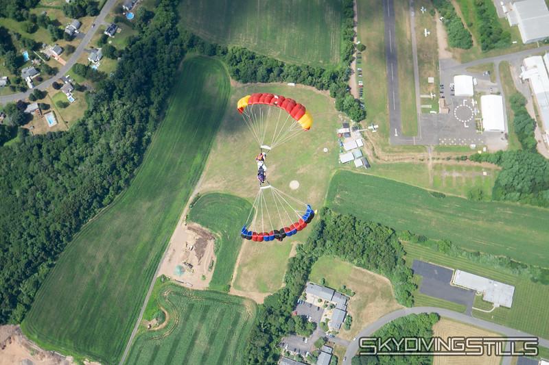 "Downplane over CPI. <br><span class=""skyfilename"" style=""font-size:14px"">2019-07-14_skydive_cpi_0657</span>"