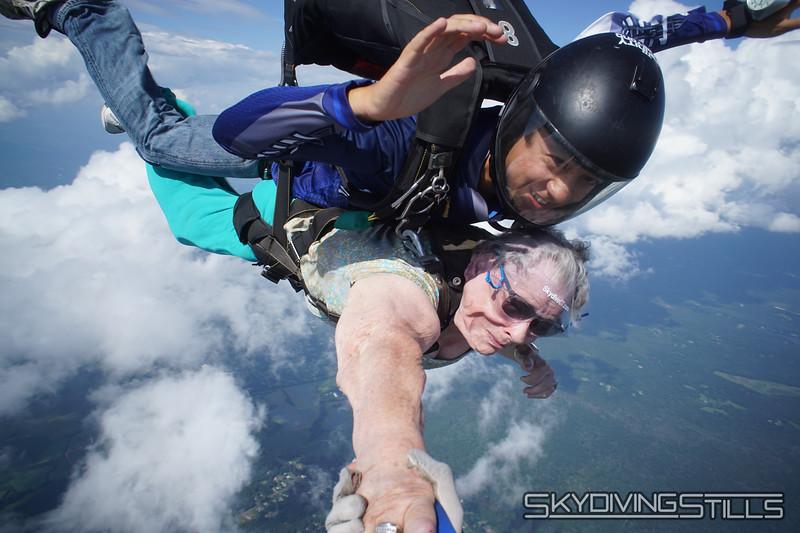 "Helene's yandem. <br><span class=""skyfilename"" style=""font-size:14px"">2019-08-04_skydive_cpi_1012</span>"