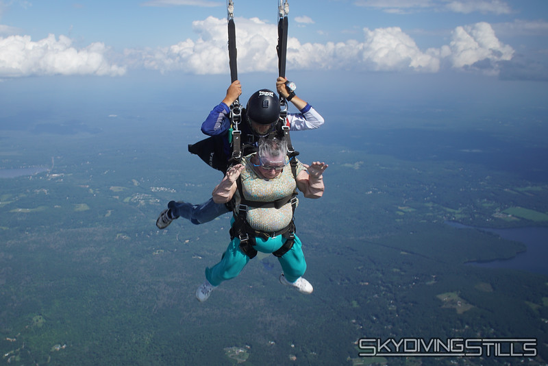 "Yoink! <br><span class=""skyfilename"" style=""font-size:14px"">2019-08-04_skydive_cpi_1022</span>"