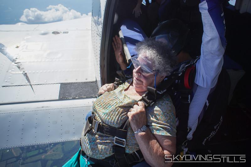 "Helene's yandem. <br><span class=""skyfilename"" style=""font-size:14px"">2019-08-04_skydive_cpi_0963</span>"
