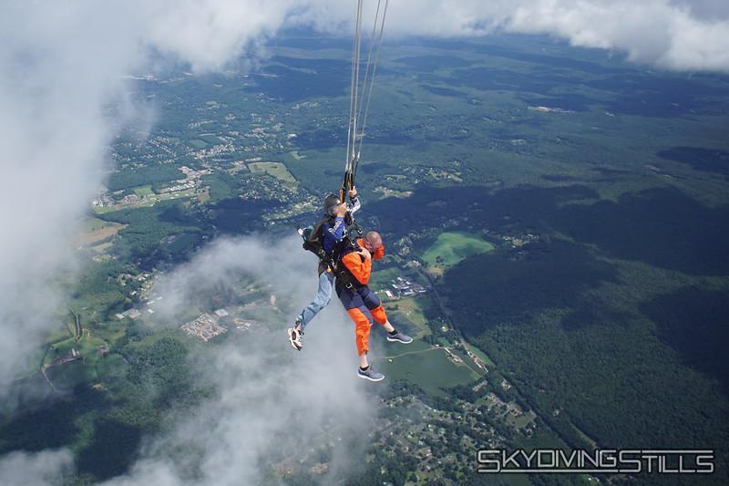"Yoink! <br><span class=""skyfilename"" style=""font-size:14px"">2019-08-11_skydive_cpi_0782</span>"