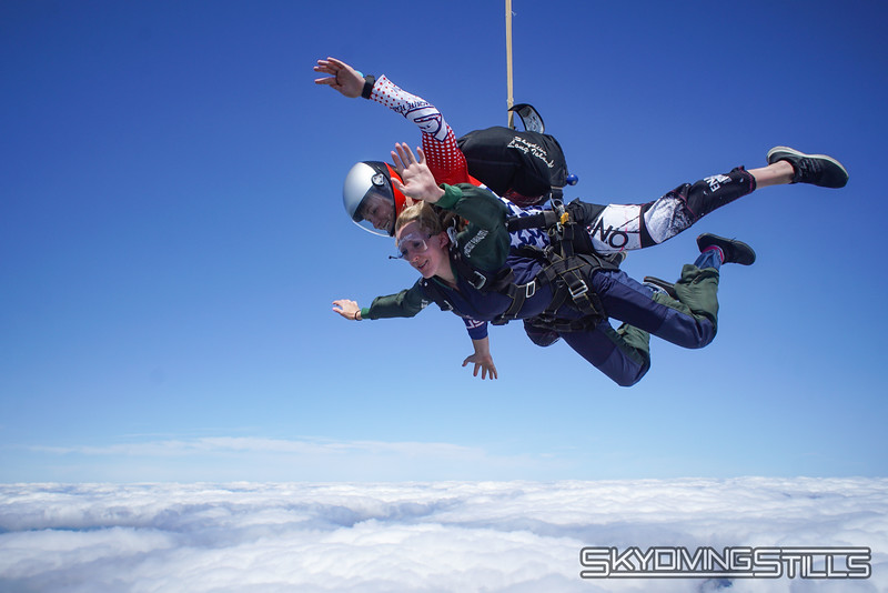"""Sydney's tandem with Sarah. <br><span class=""""skyfilename"""" style=""""font-size:14px"""">2019-08-11_skydive_cpi_0877</span>"""