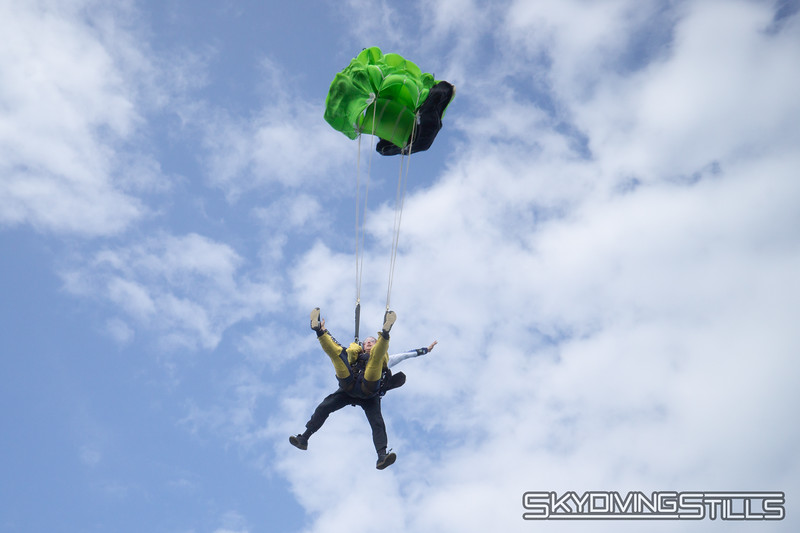 """Not much of a yoink when the canopy takes 1500 feet to open. <br><span class=""""skyfilename"""" style=""""font-size:14px"""">2019-06-02_skydive_cpi_0303</span>"""