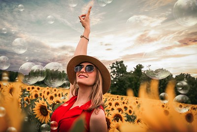 Sunflower Fields | Fort Collins - Senior Pictures - Photographer